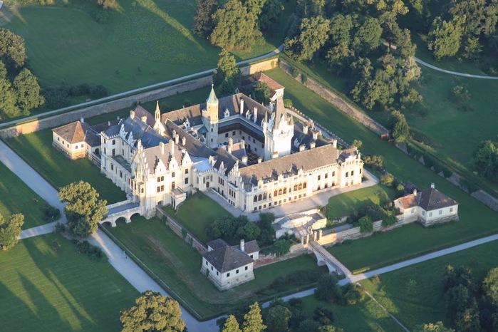 Замок Графенегг - романтичная драгоценность. 27571
