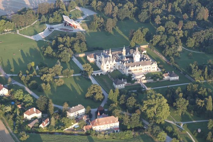 Замок Графенегг - романтичная драгоценность. 20767