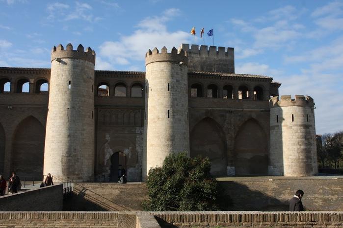 Замок Альхаферия (Castillo de Aljaferia) - жемчужинa испанского исламского наследия 16323