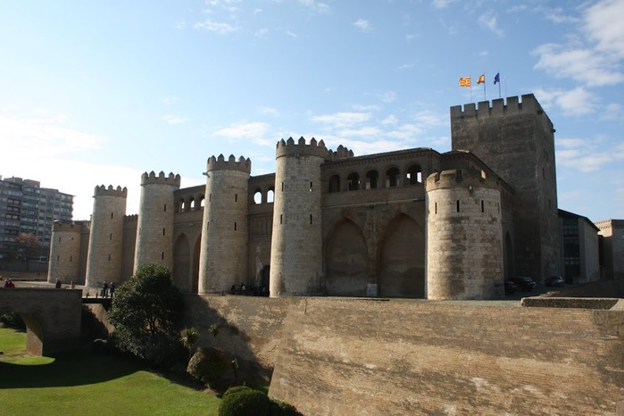 Замок Альхаферия (Castillo de Aljaferia) - жемчужинa испанского исламского наследия 43653