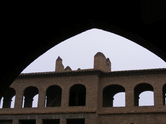 Замок Альхаферия (Castillo de Aljaferia) - жемчужинa испанского исламского наследия 87876