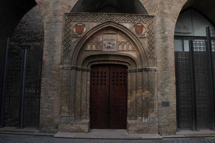 Замок Альхаферия (Castillo de Aljaferia) - жемчужинa испанского исламского наследия 44836