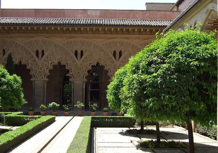Замок Альхаферия (Castillo de Aljaferia) - жемчужинa испанского исламского наследия 35693