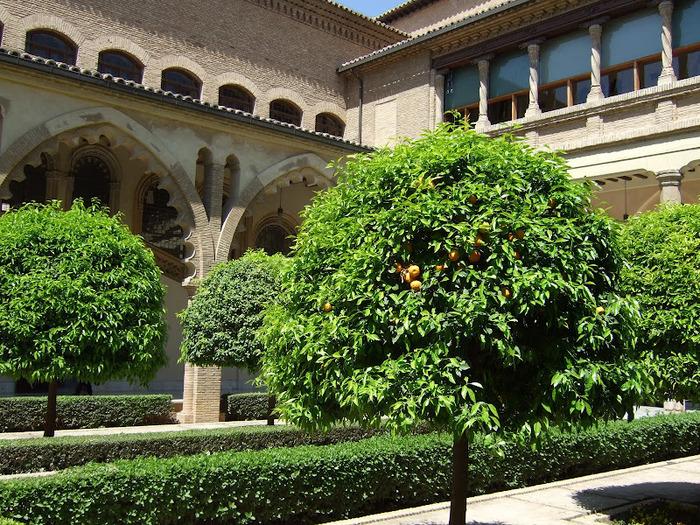 Замок Альхаферия (Castillo de Aljaferia) - жемчужинa испанского исламского наследия 94143
