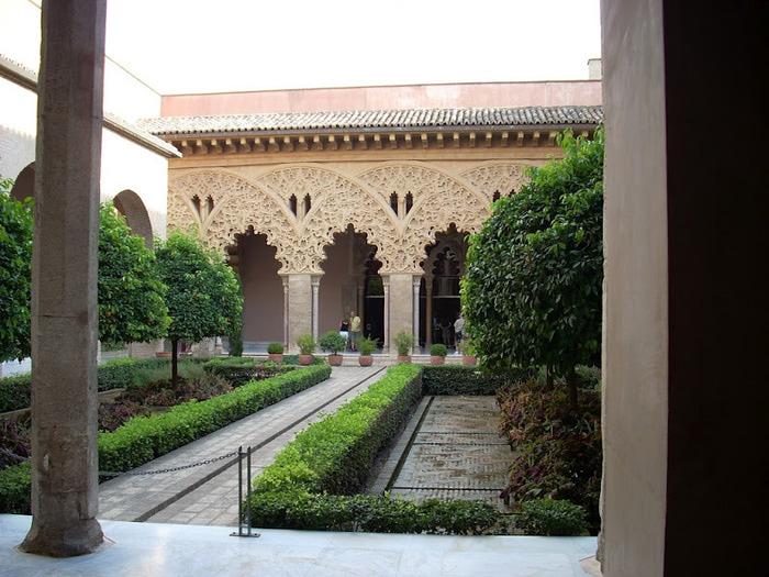 Замок Альхаферия (Castillo de Aljaferia) - жемчужинa испанского исламского наследия 72013