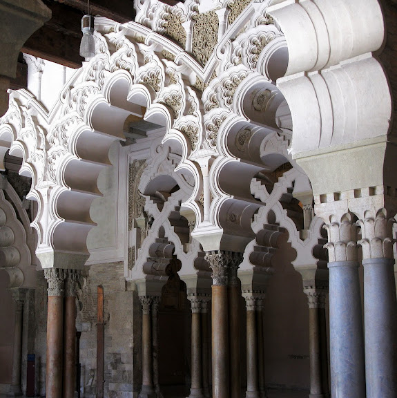 Замок Альхаферия (Castillo de Aljaferia) - жемчужинa испанского исламского наследия 34739