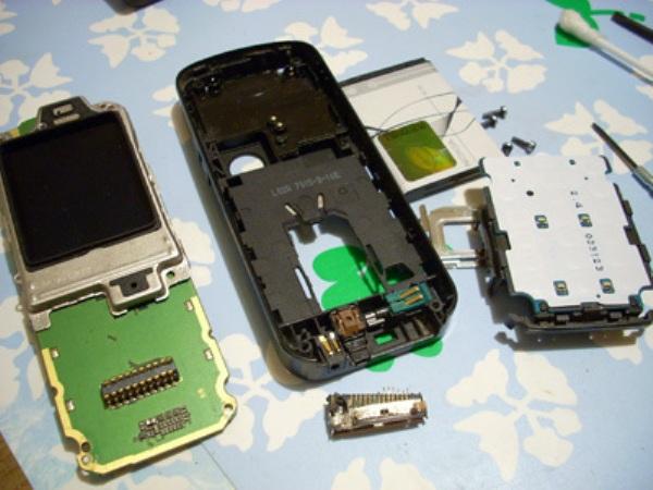 Ремонт мобильного телефона (600x450, 84Kb)
