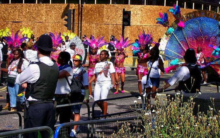 carnival10 (700x440, 199Kb)