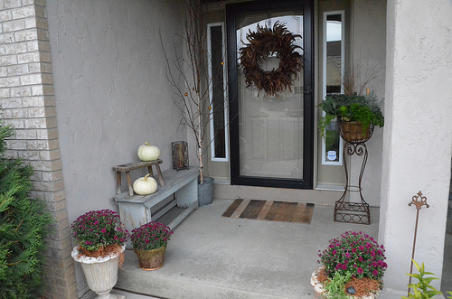 fall-front-porch-decorating-ideas-011 (500x331, 112Kb)