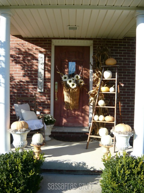 fall-front-porch-decorating-ideas-00014 (480x640, 102Kb)