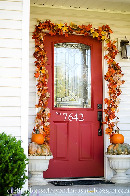 fall-front-porch-decorating-ideas-015 (425x640, 87Kb)