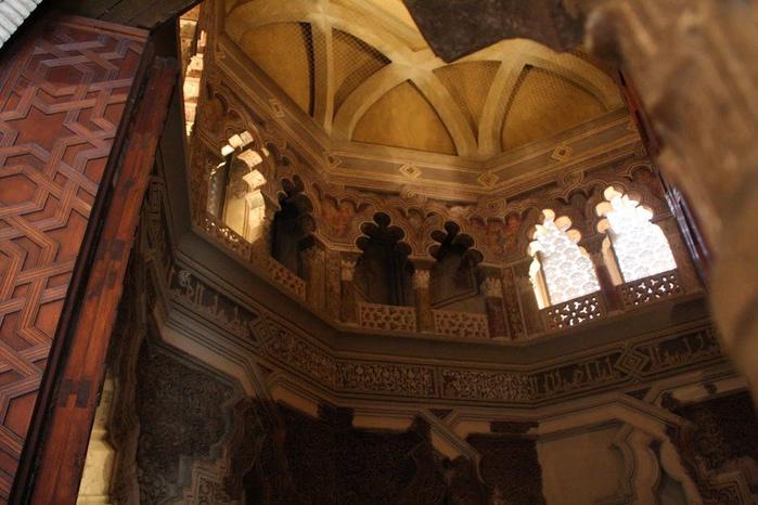 Замок Альхаферия (Castillo de Aljaferia) - жемчужинa испанского исламского наследия 91744