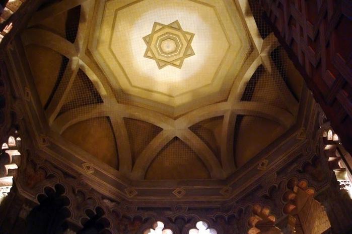Замок Альхаферия (Castillo de Aljaferia) - жемчужинa испанского исламского наследия 60869