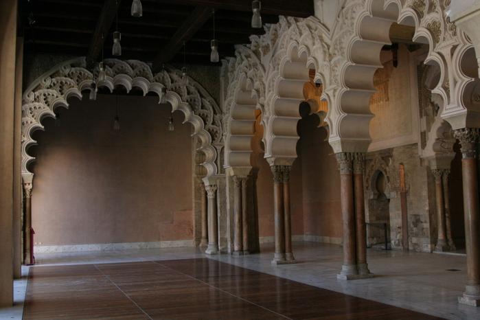 Замок Альхаферия (Castillo de Aljaferia) - жемчужинa испанского исламского наследия 88363