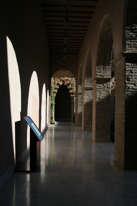 Замок Альхаферия (Castillo de Aljaferia) - жемчужинa испанского исламского наследия 99456
