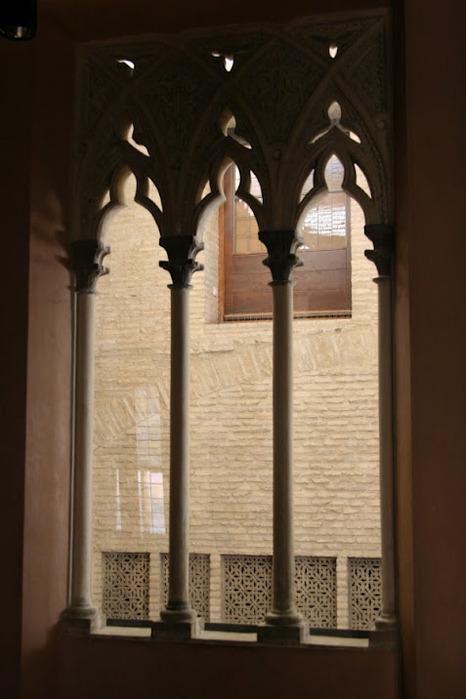 Замок Альхаферия (Castillo de Aljaferia) - жемчужинa испанского исламского наследия 35441