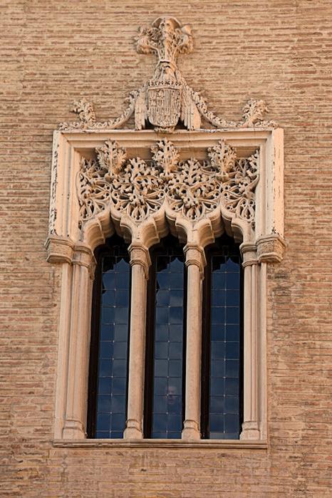 Замок Альхаферия (Castillo de Aljaferia) - жемчужинa испанского исламского наследия 88633