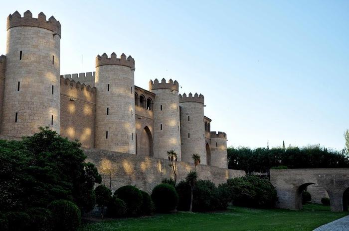 Замок Альхаферия (Castillo de Aljaferia) - жемчужинa испанского исламского наследия 60106