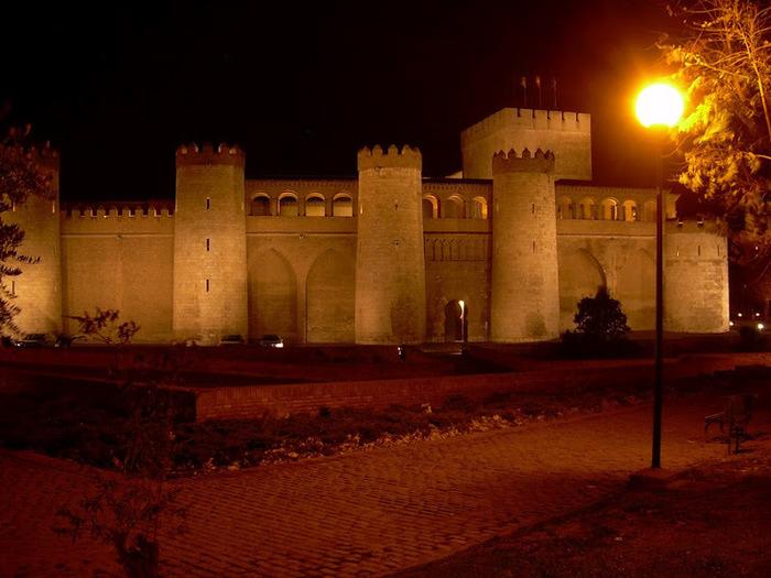 Замок Альхаферия (Castillo de Aljaferia) - жемчужинa испанского исламского наследия 51647