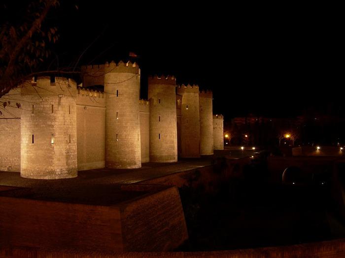 Замок Альхаферия (Castillo de Aljaferia) - жемчужинa испанского исламского наследия 83527