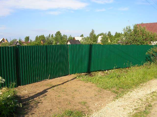 Задумался о заборе на участке.