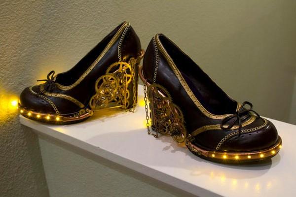 модные туфли с подсветкой (600x400, 57Kb)