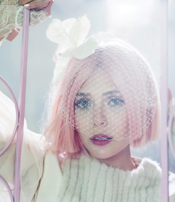 elizabeth-olsen-pink-hair-bullett-02 (600x695, 69Kb)