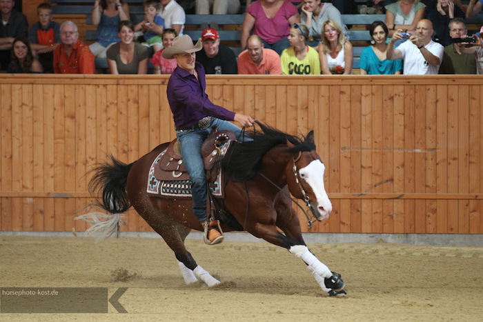 676813_SVAG_CS_Classic_Celebrity_Reining_2012_3539_jul2012 (700x467, 134Kb)