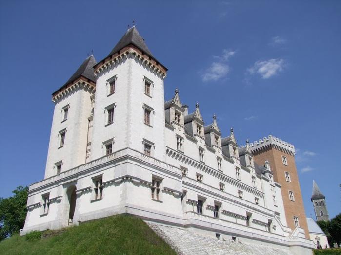 Замок По - Родовой замок Бурбонов 20054