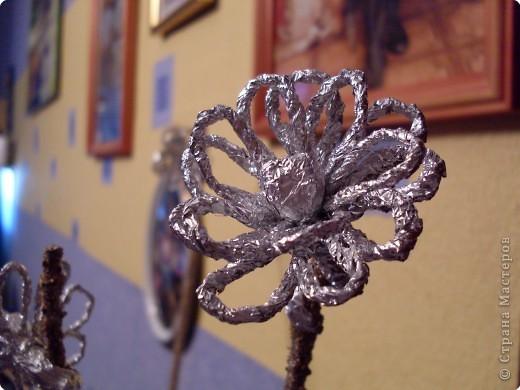 Цветок из фольги