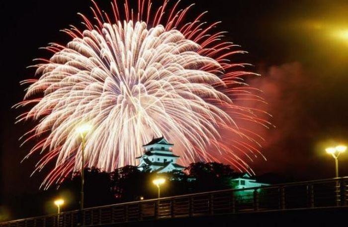 1312973847_fireworks_12 (700x457, 58Kb)