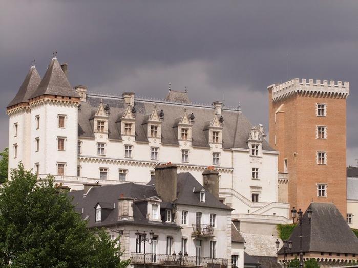 Замок По - Родовой замок Бурбонов 63944