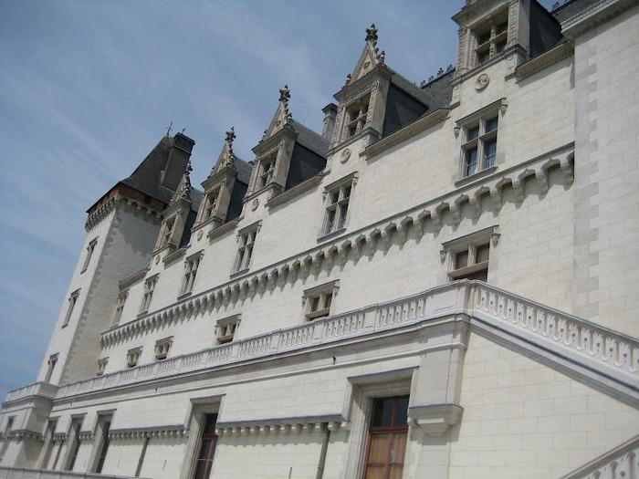 Замок По - Родовой замок Бурбонов 26048