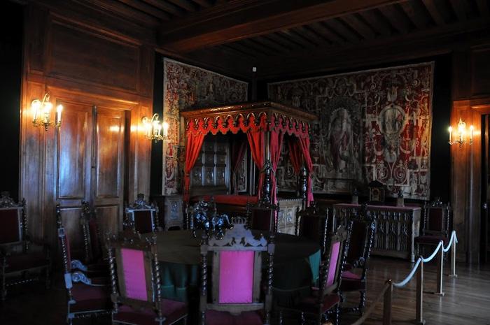 Замок По - Родовой замок Бурбонов 90516