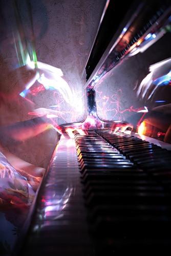 8225 пианино (334x500, 42Kb)