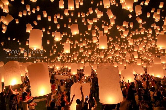 фестиваль небесных фонариков2 (680x454, 153Kb)