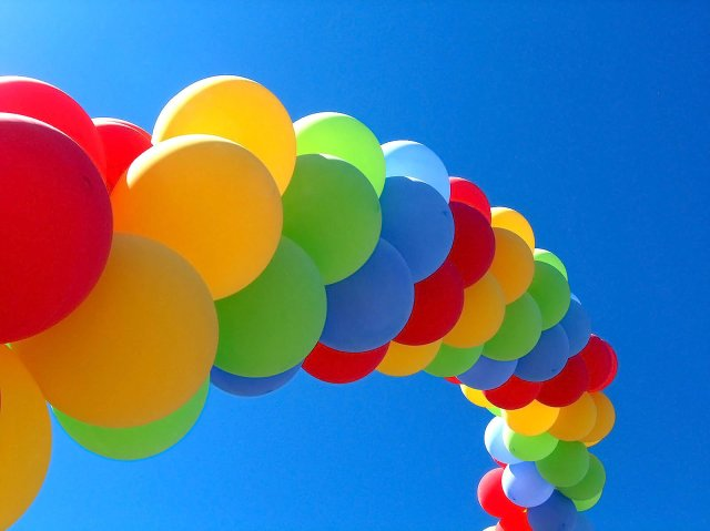 Оформление шарами- это отличная идея для украшения Вашего праздника, будь то свадьба, юбилей, день рождения ребенка...