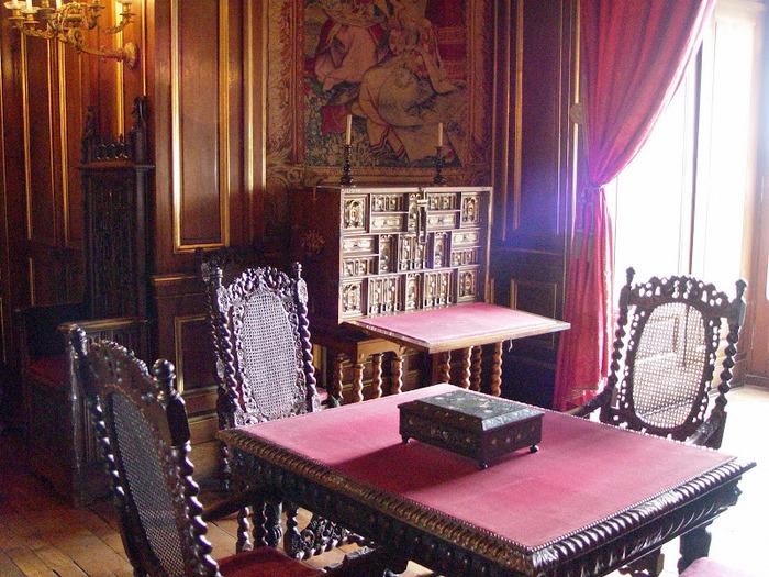 Замок По - Родовой замок Бурбонов 87589