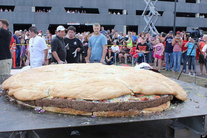 самый большой чизбургер в мире фото (680x452, 81Kb)
