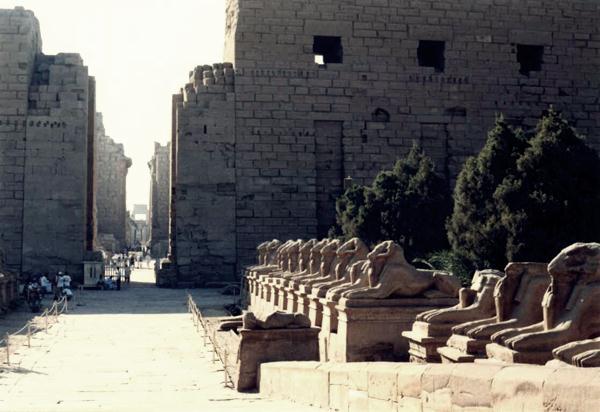 Temple_Karnak (600x412, 40Kb)
