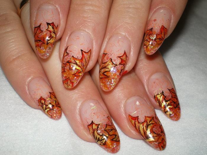 Рисунки на ногти осенние