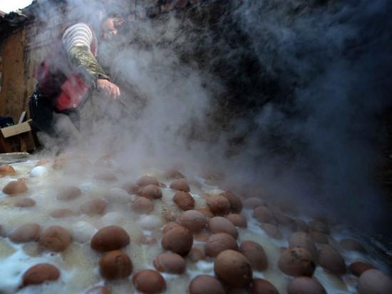 По миру расходится мода на древнее китайское блюдо под условным названием «девственные яйца»
