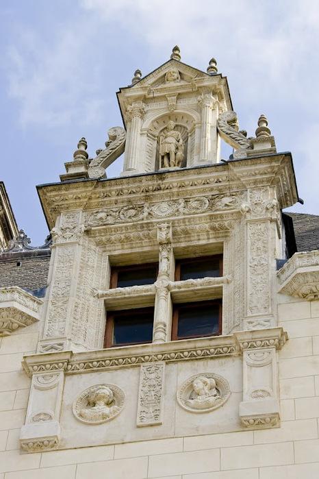 Замок По - Родовой замок Бурбонов 83130
