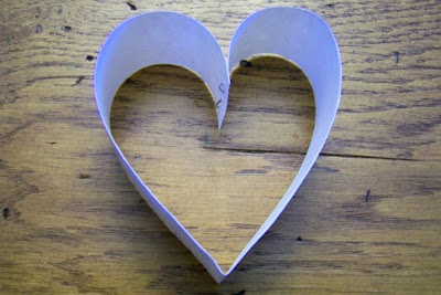 Guirlanda-feita-com-corações-de-papel-3 (400x267, 34Kb)