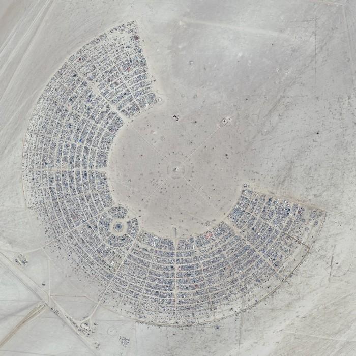 Лучшие фото фестиваля Burning Man 2012 8 (700x700, 152Kb)