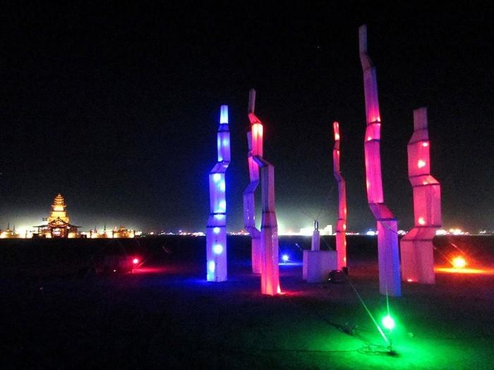Лучшие фото фестиваля Burning Man 2012 12 (700x525, 78Kb)