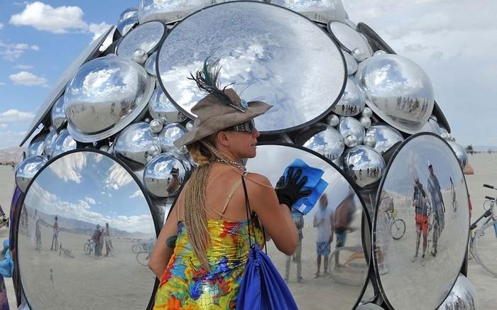 Лучшие фото фестиваля Burning Man 2012 54 (700x437, 98Kb)