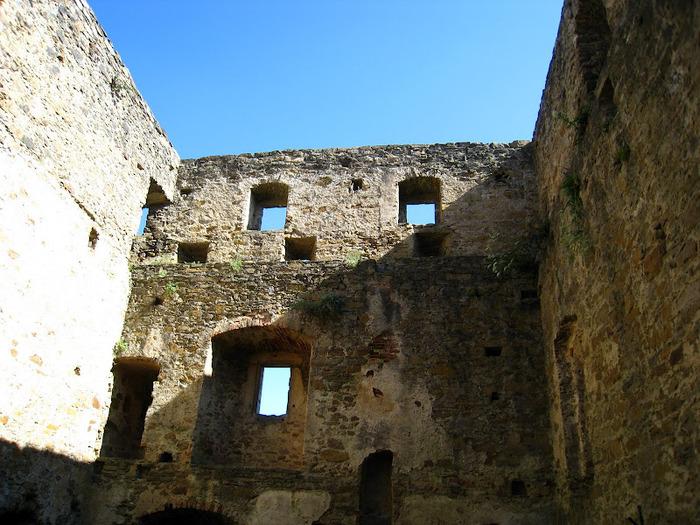 Развалины замка Аггштайн у вод Дуная 23038