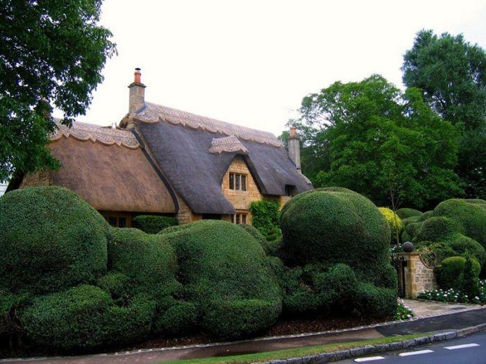 дома с соломенными крышами 11 (700x525, 77Kb)