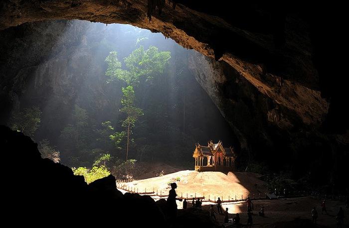 cave-10 (700x458, 85Kb)
